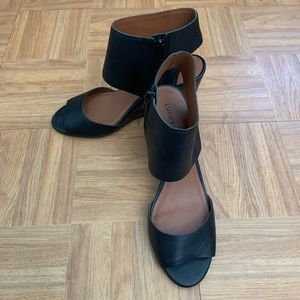 Lucky Brand Raisza Wedge Sandal BLACK 7.5